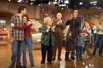 The cast of Everybody Loves Raymond takes their final bow