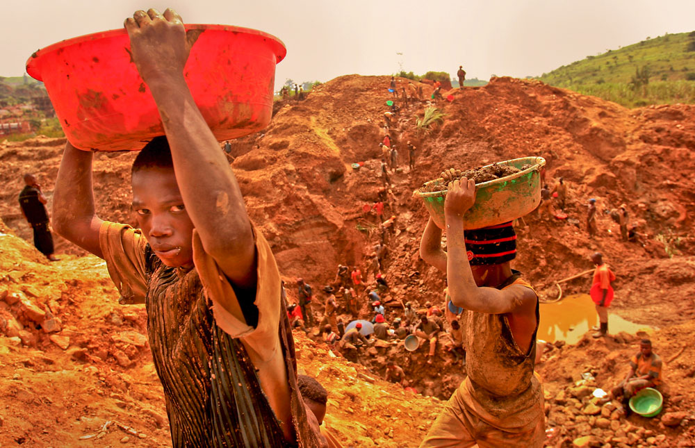 Many working at the mines in Ituri are young boys and children.
