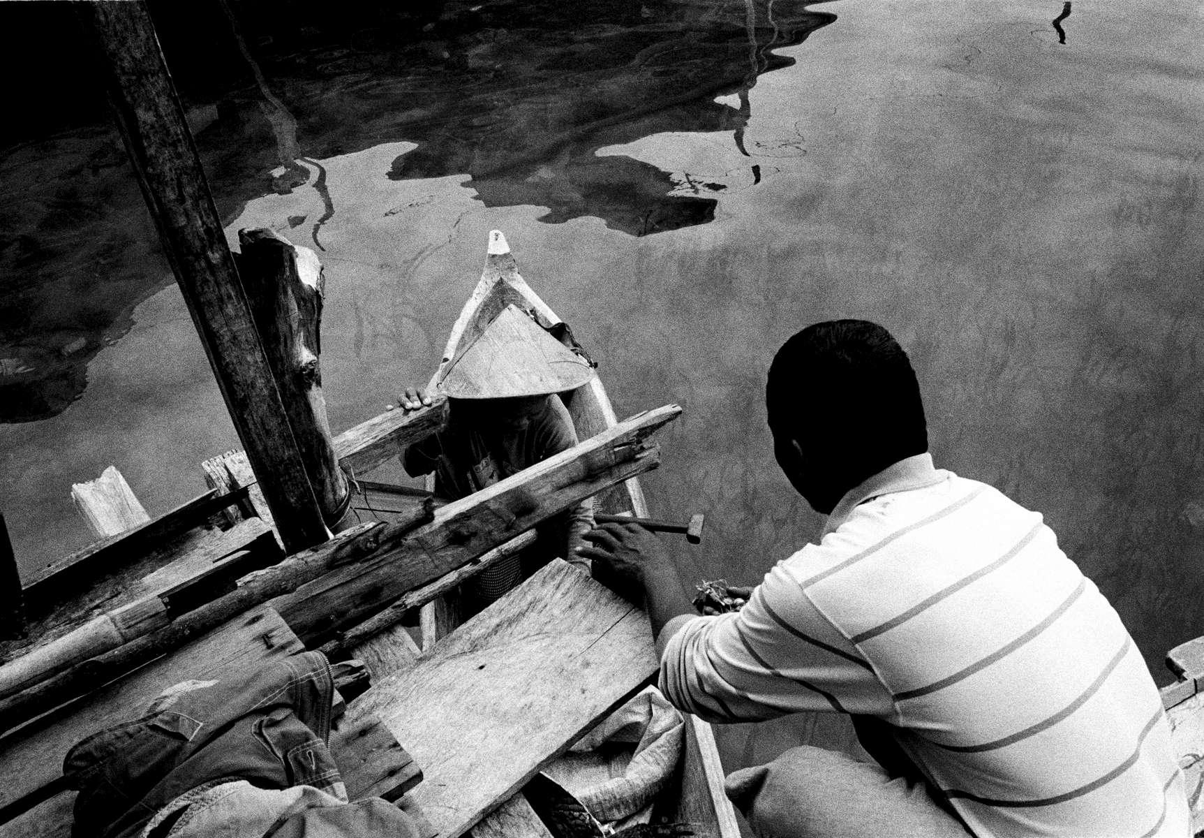Bajo sea gypsy village, Torosiaje, Suluwesi, Indonesia 2003