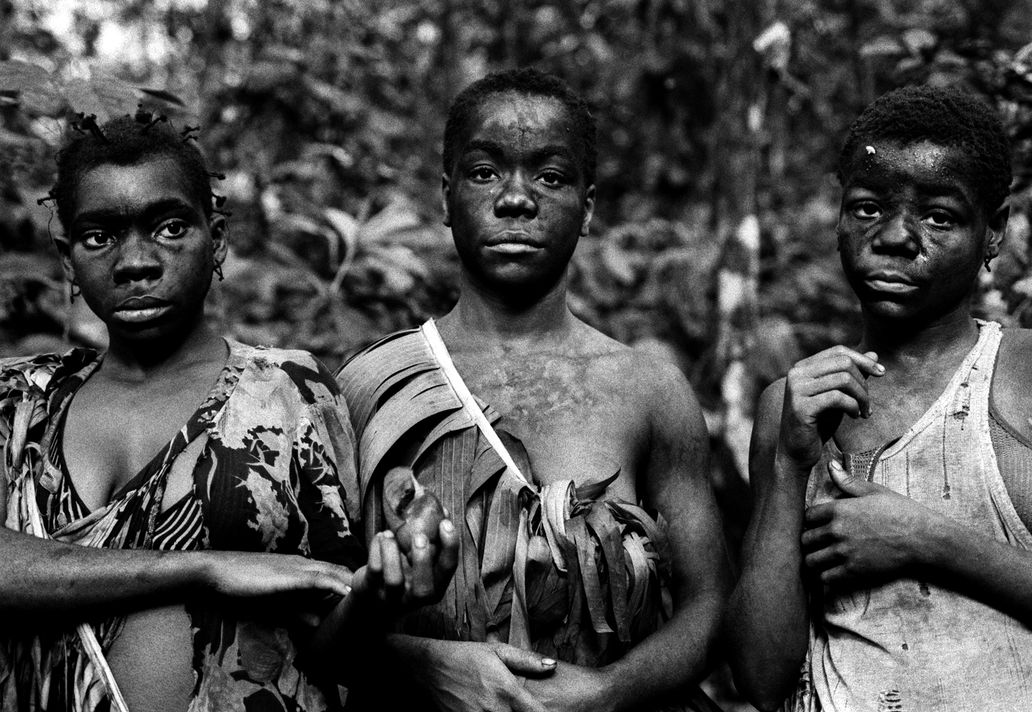 Portrait of 3 pygmy girls, Equatorial northern province, DRCongo 2004