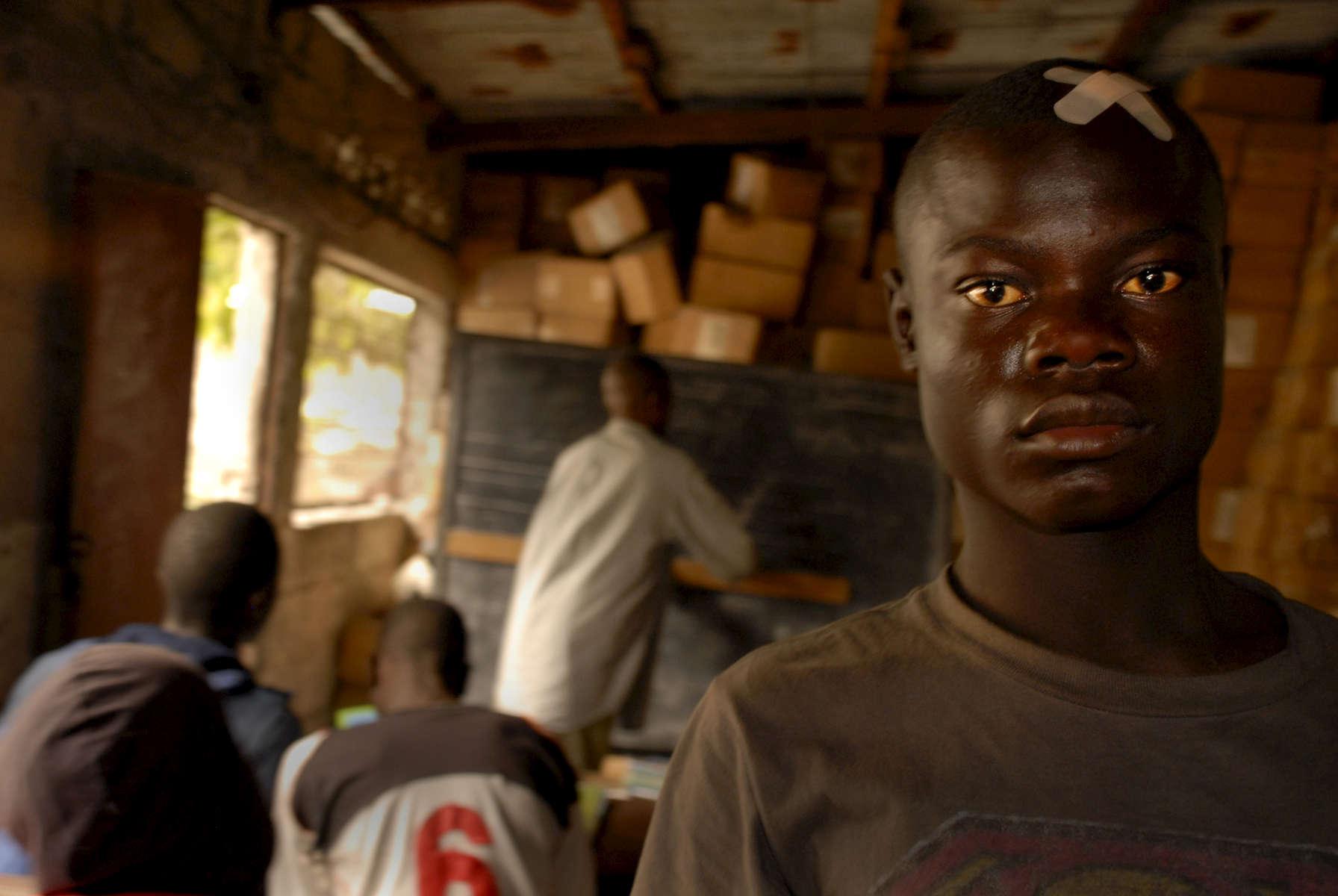 Shwege street kid, Kinshasa, DRCongo 2009