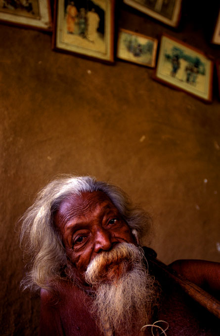 the late chief of the Wanniyala-Aetto indigenous people
