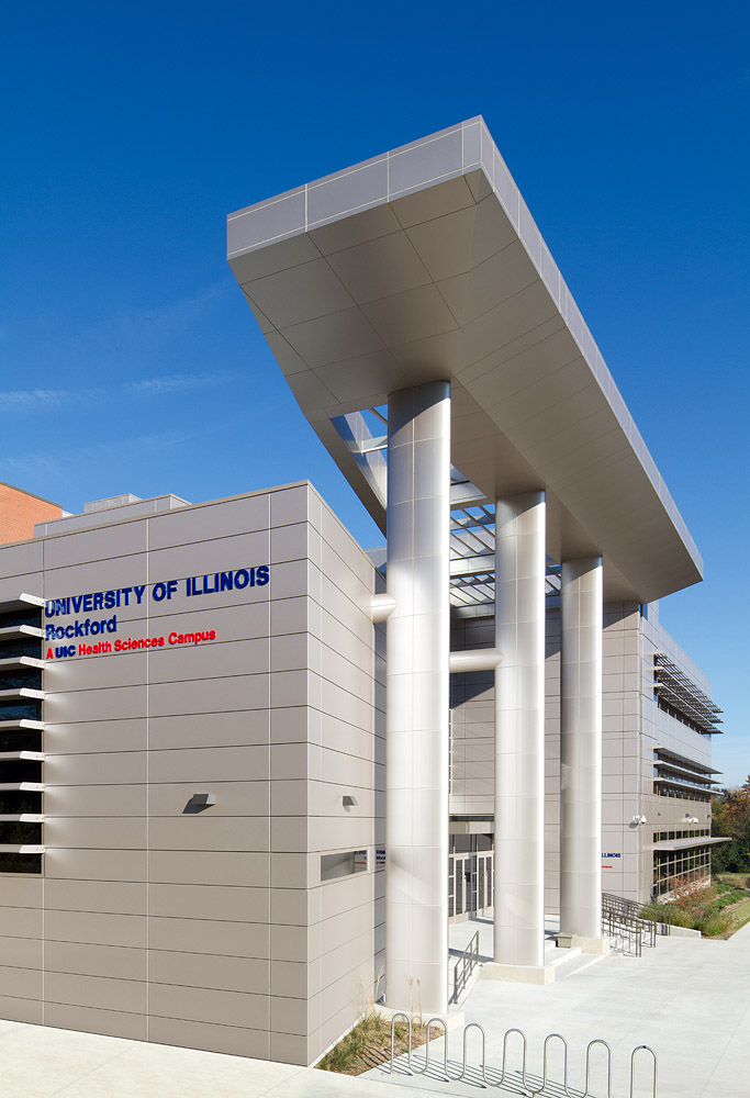 College of Medicine, University of Illinois - Rockford, Illinois