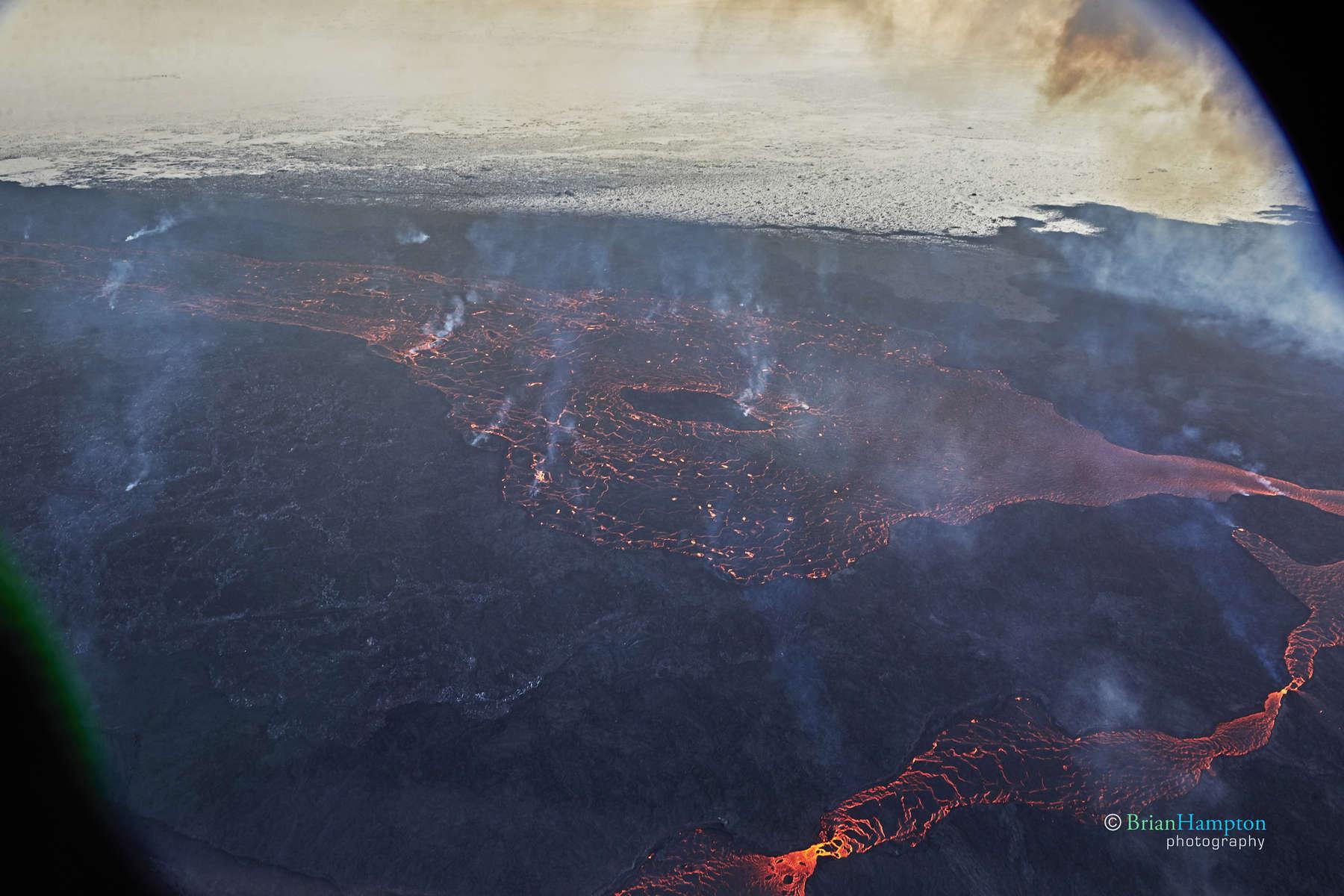 Lava-lake-Iceland-2014_1046