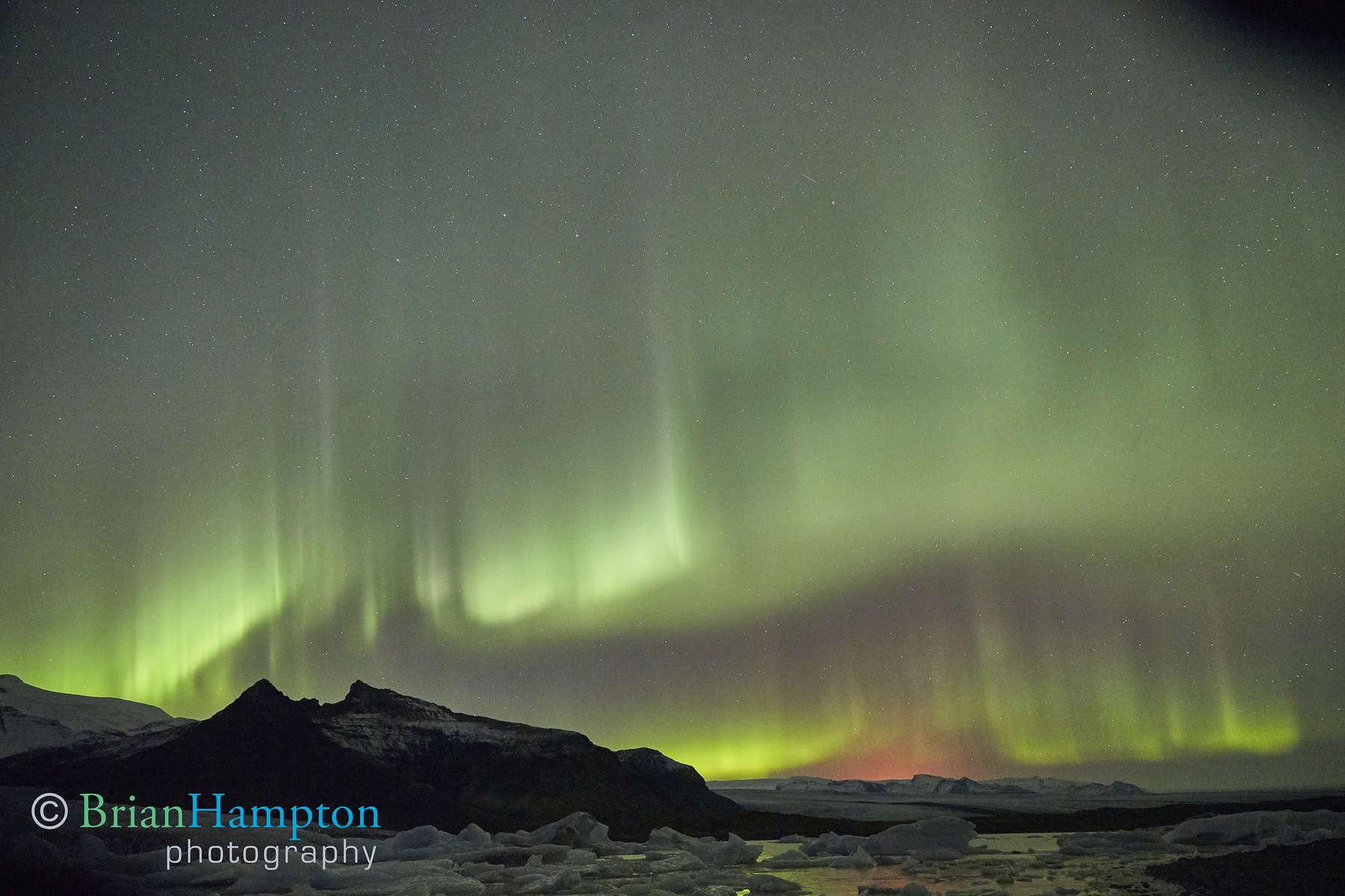Northern-Lights-with-100km-away-volcano_9935