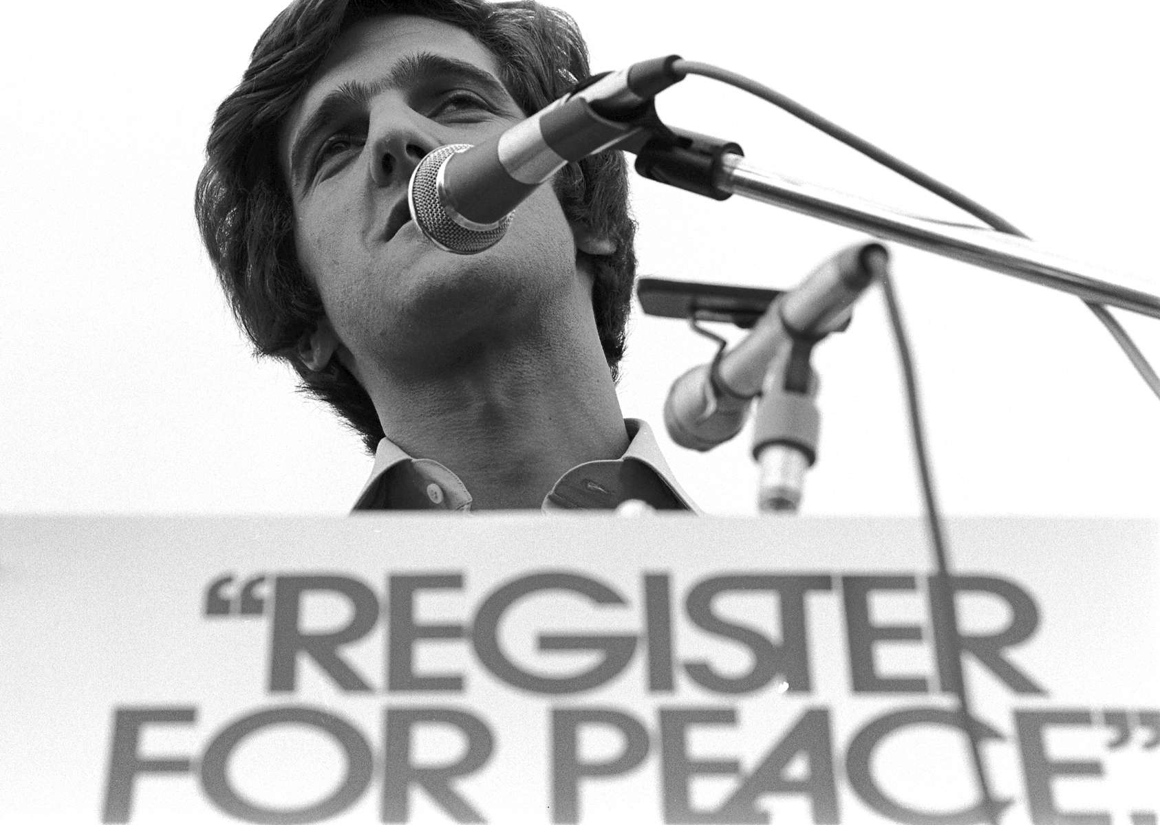 John Kerry spoke at a protest of the Vietnam War, Nassau County Supreme Court, Mineola – summer, 1971