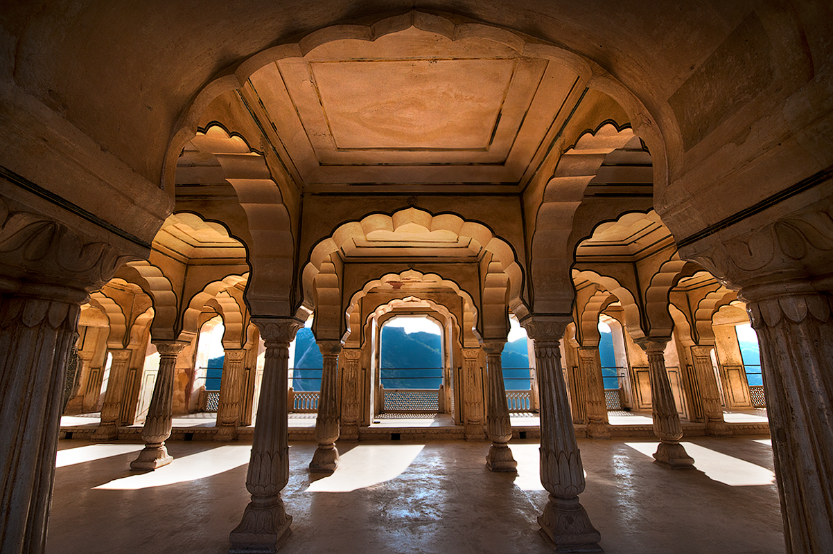 Archways of the Amber fort.