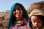 A muslim woman with her son. Jaisalmer.