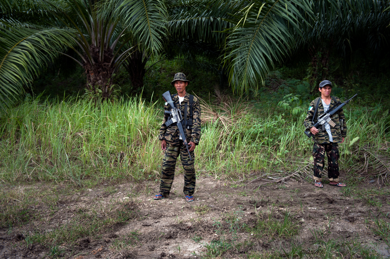 MILF rebels at one of their many road check points in Maguindanao.