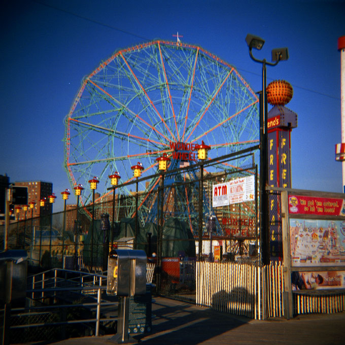 Wonder Wheel-2Coney Island, Brooklyn, NY 2007
