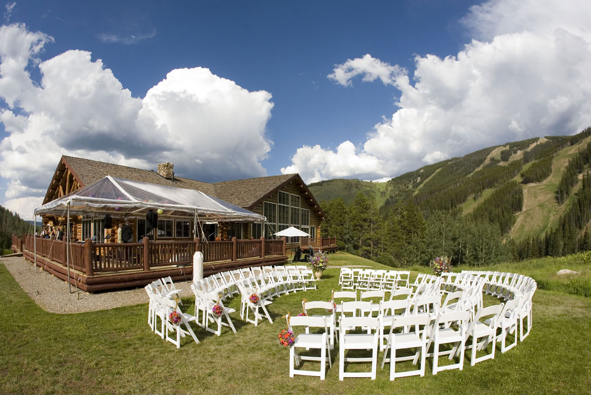 This beauliful wedding was at beano 39 s cabin in beaver for Beano s cabin beaver creek