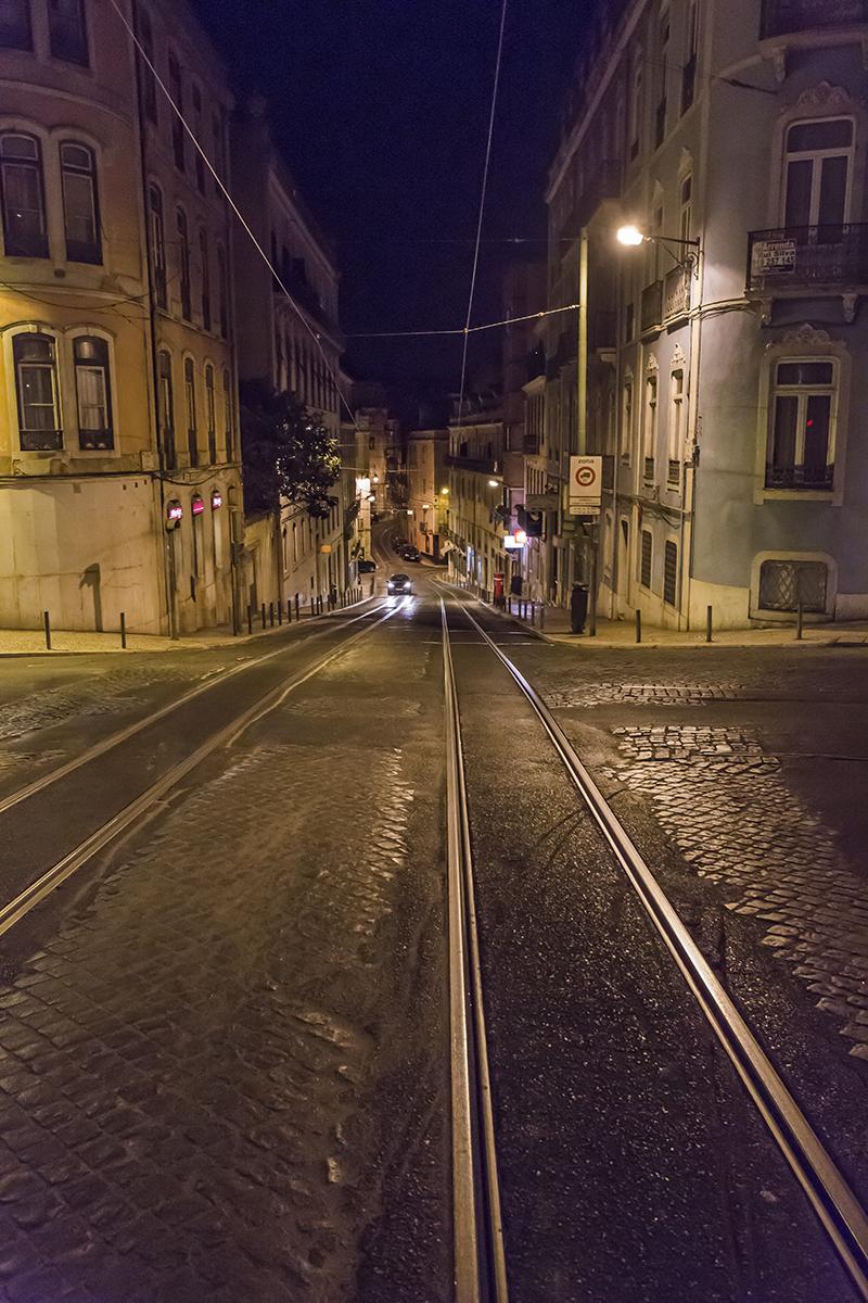 lisbon_night_street
