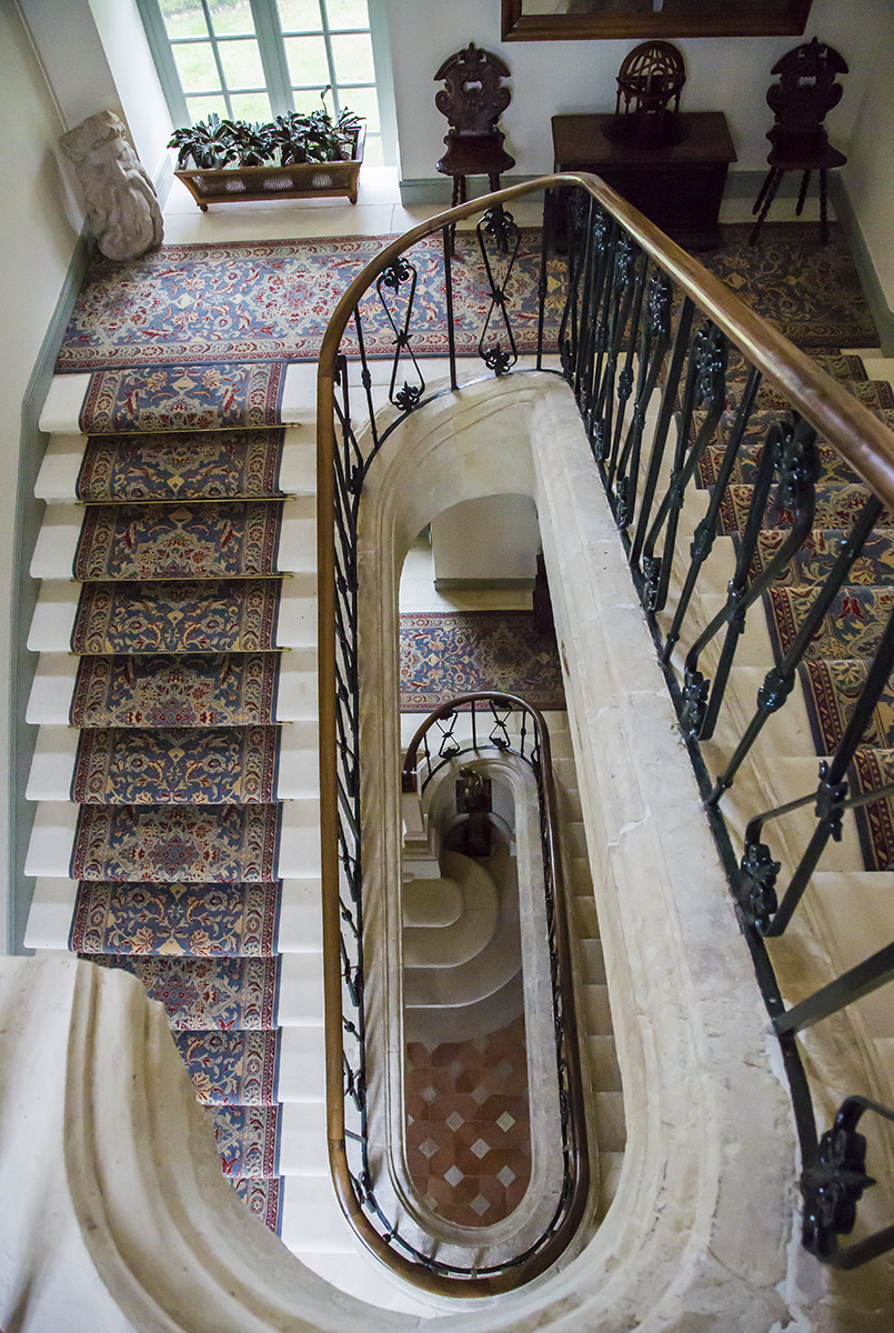 stone_stairs_loire
