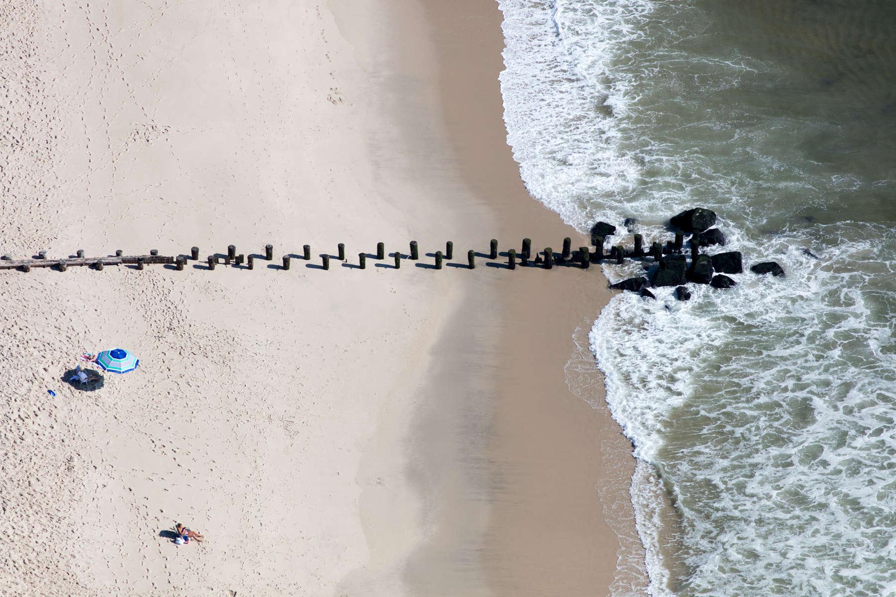 Beach Pilings, Bay Head, New Jersey 2018 (180904-0109)