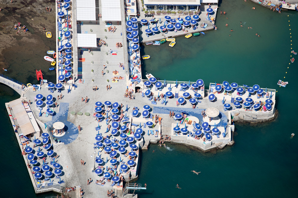 Pier Enjoyment, Liverno, Italy 2007 (070801-0270)