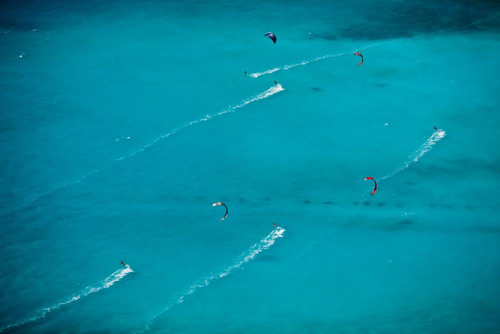 Kite Surfers II, Spiagge Beach, Rosinano Maruttimo, Italy 2007 (070801-0383)