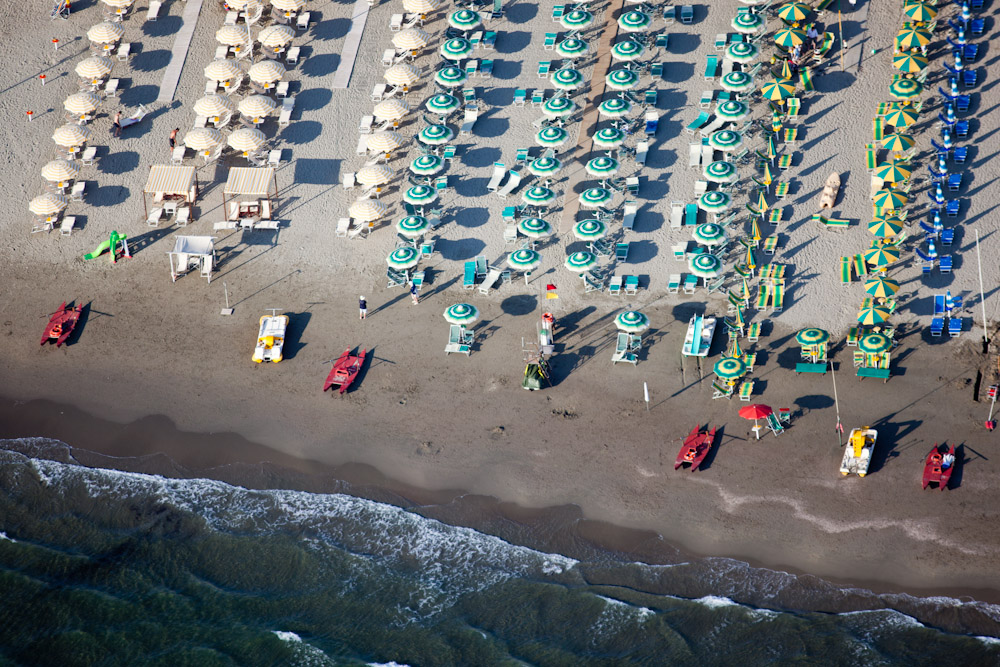 Beach Front Umbrellas, Pietrasanta, Italy 2010 (100604-0646)