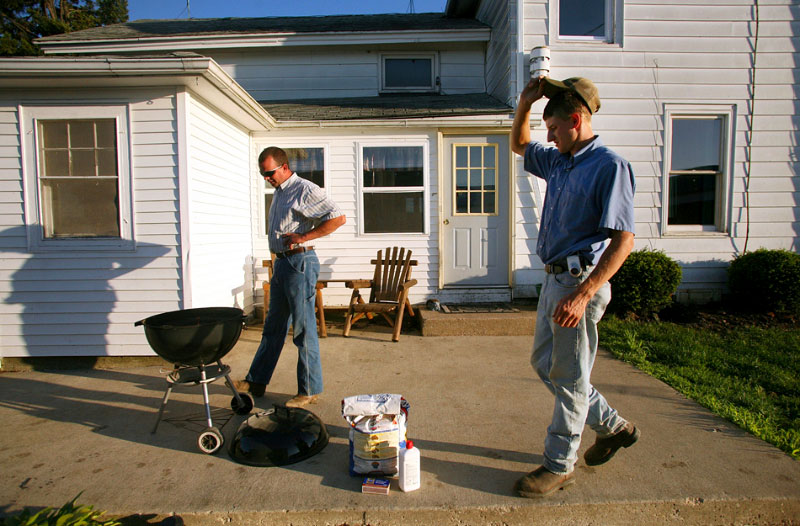 At the end of the day, Matt and Paul throw a few steaks on the grill for dinner. Paul, who is single, spends time with Matt and his family, and says he'd like to find a woman who wouldn't mind being married to a farmer.