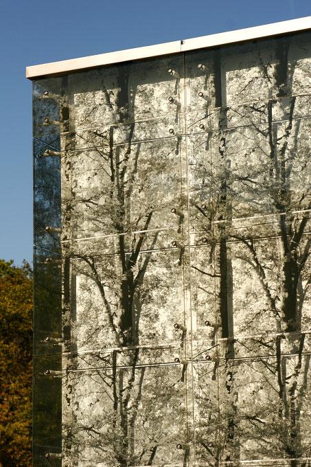 (ris-chabloz 1999-2001)Projet:Ecole primaire - classes et salle de gymnastiqueVeyrier - SuisseSurface:6500 m2 Chef de projet:Antoine RisDidier ProdhomMandat:Projet globalCollaboration:Armano Scheffer