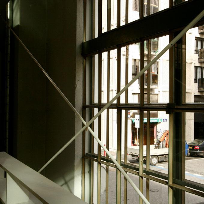 (ris-chabloz 2003-2005)Projet:Halle F – Transformation d'un immeuble industrielGenève- SuisseSurface:1'620 m2Chef de projet:Bernd HardenMandat:Projet et réalisationCollaboration:Devanthery - Lamuniere architects - CHPhilippe Meyer architects - CH