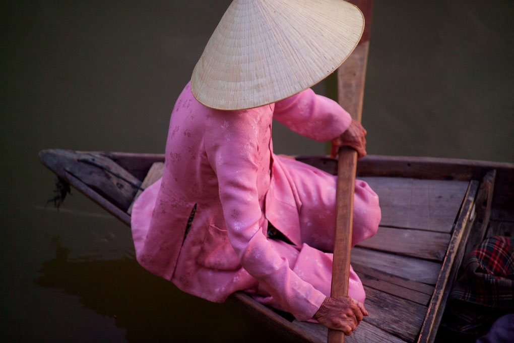 boatwoman on the Thu Bon RiverHoi An Ancient Town, Vietnam