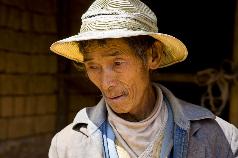 farmer returning home at day's endWenhai VillageYunnan Province, China