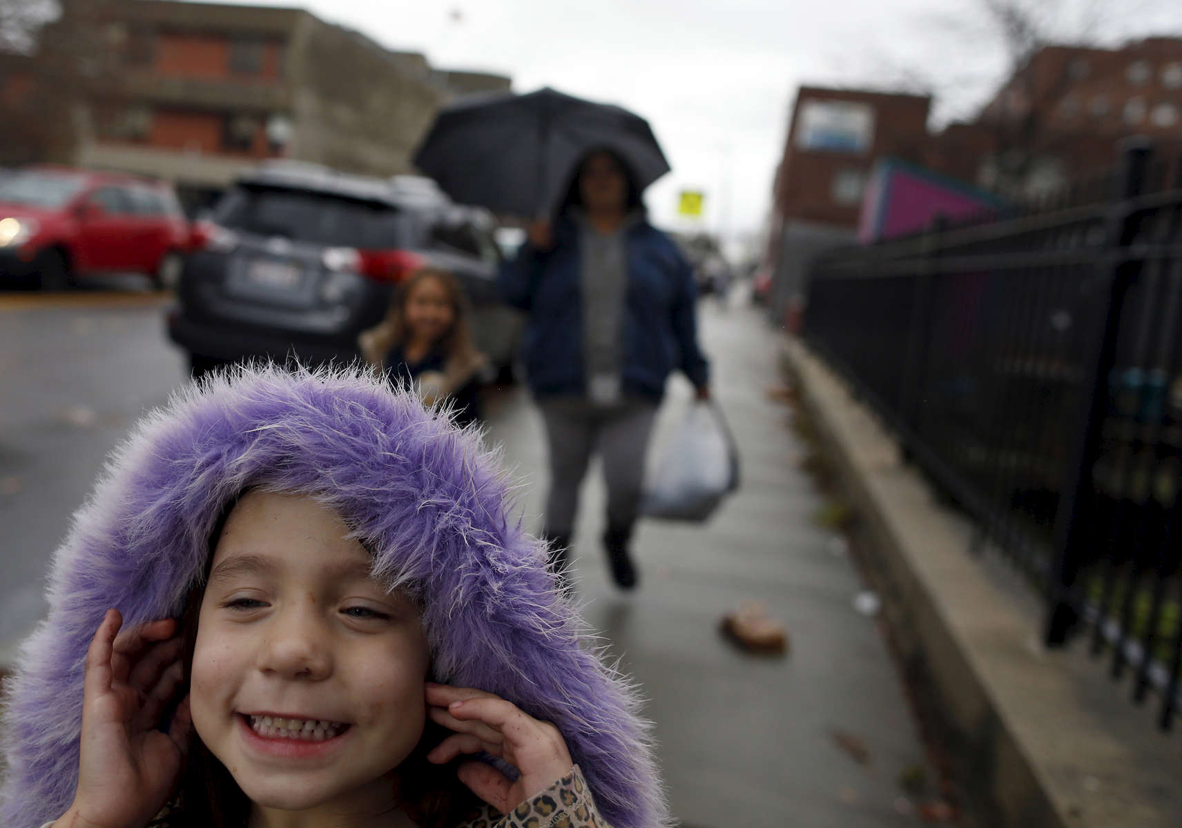 Estrella laughs as she runs ahead of her mother and sister on their walk home from school. Raquel is determined to get clean for her two young daughters. {quote}I want them both to have a childhood that I never knew existed. Happiness, joy, love...{quote} she said.