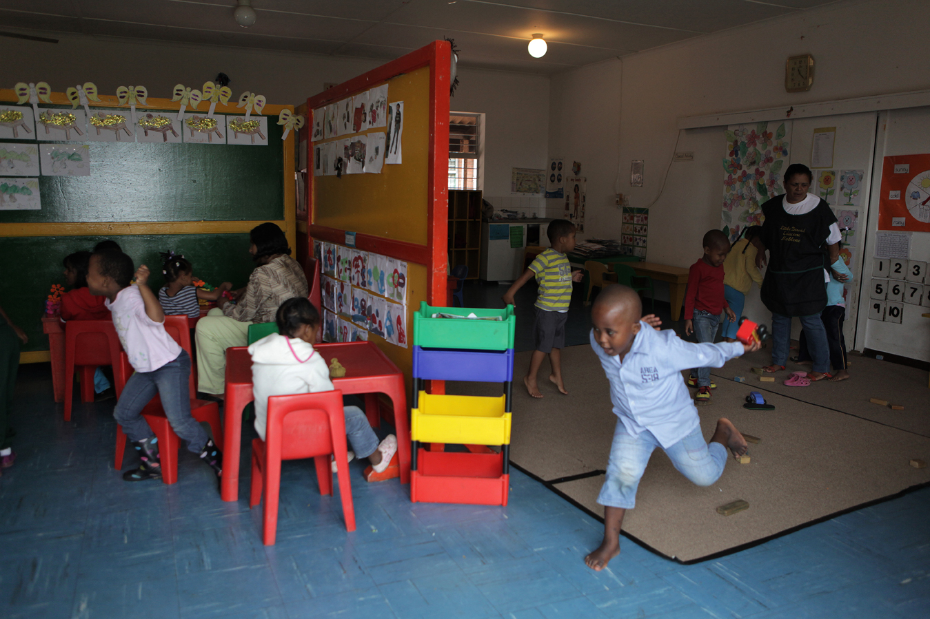The Little David Educare Centre in Wentworth, a township on the southern side of Durban, in KwaZulu-Natal province. Over 92% of preschool children in KwaZulu-Natal attend unregistered ECD centres (crèches). Save the Children, operating in KZN for over 50 years, recognised the need to support crèches in the area with better management skills and access to learning materials, as well as running the crèche forums and supporting crèches with registration to become ECD centres.