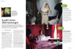 FREELENS MAGAZIN(Germany)Amanda RivkinBTC-Öl-PipelineJunge Mädchen bekleiden sich passend für das Freitagsgebet, an dem sie in der Moschee der Altstadt von Baku teilneh- men wollen. Dieses Foto gehört in eine über Emphas.is finanzierte Reportage von Amanda Rivkin. Die Fotografin möchte damit die Veränderungen weiter dokumentieren, die sich durch den Bau der Baku-Tiblisi-Ceyhan-Öl-Pipeline für Aserbaidschan ergeben. Die Leitung spielt eine wichtige Rolle bei der Öff- nung des Landes gen Westen.Amanda Rivkin, kann von einer Basis in Aserbaidschan aus arbeiten. Sie wurde von der National Geographic Society für ein Nachwuchsstipendium ausgezeich- net. Ihre Fotos sind auch in »The Year in Pictures« von der New York Times und von Newsweek abgebildet.{quote}Es gibt immer Überraschungen,{quote} p. 22-23Freelens #32, 2012.