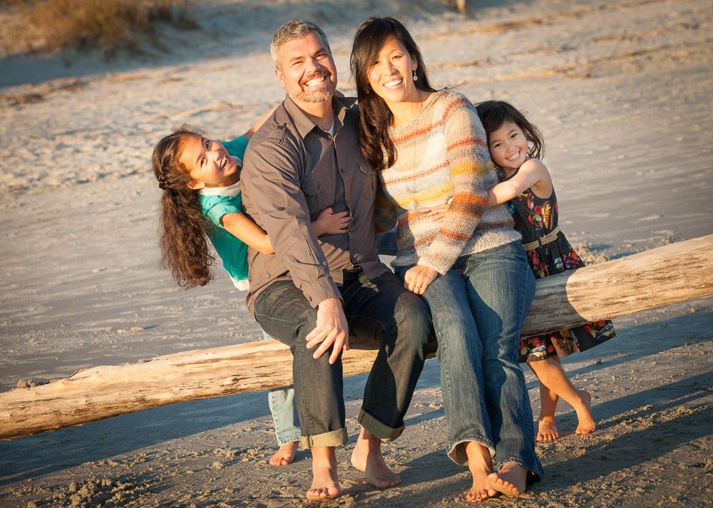 The Long family photo fun on Hilton Head Island, SC Friday, November 28, 2014. Photos by JASON E. MICZEK - www.miczekphoto.com