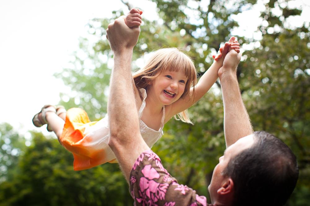George family photo fun Sunday, August 19, 2012. Photo by JASON E. MICZEK - www.miczekphoto.com