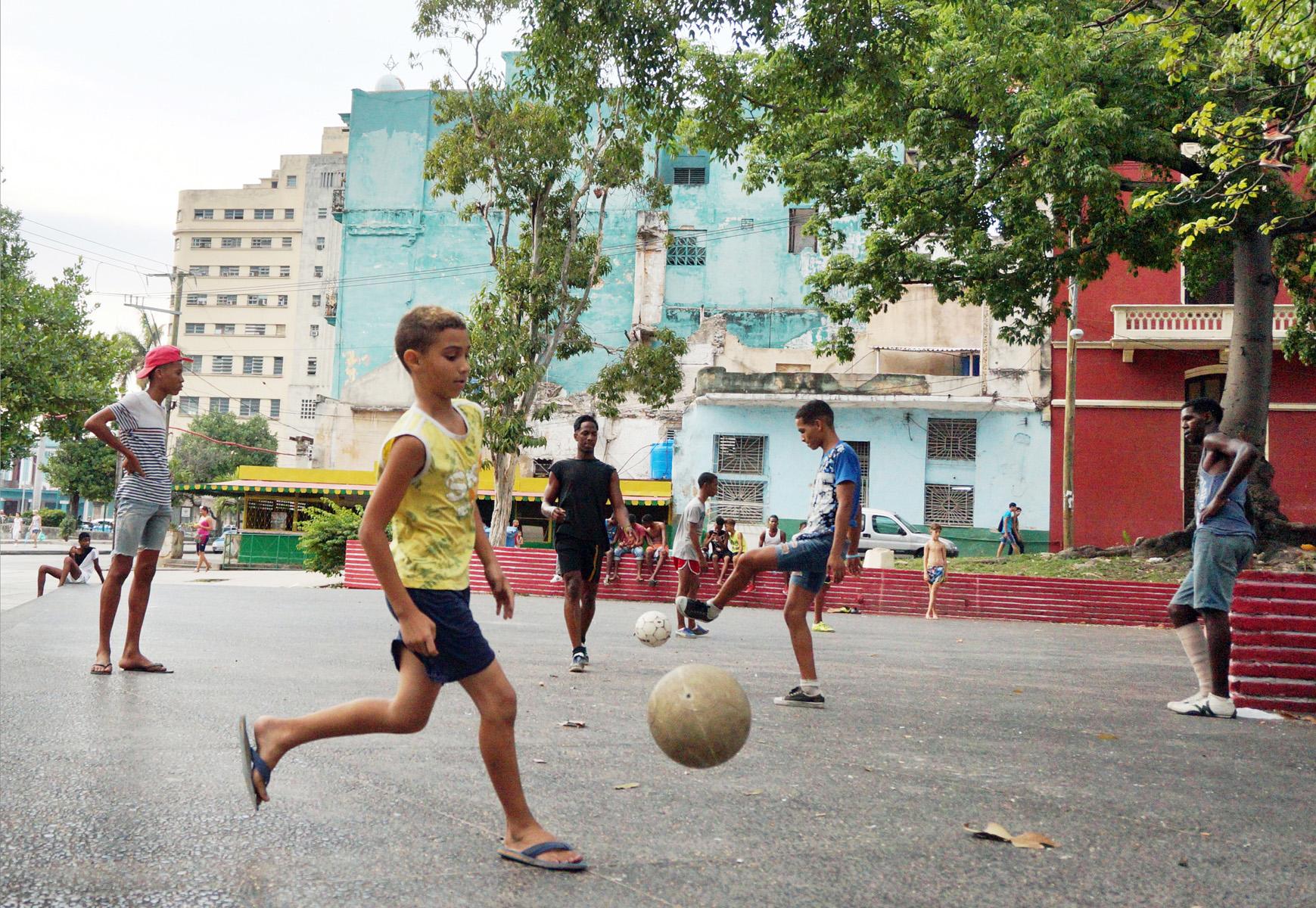 Fútbol Boys, parque en Habana Centro