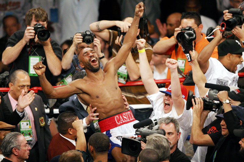 Joel Casamayor, of Cuba, celebrates after the WBW Lightweight Championship at Mandalay Bay Saturday, Oct. 7, 2006. Casamayor won by split decision over opponent Diego Corrales.