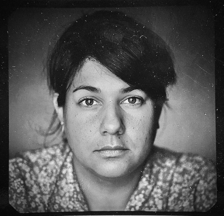 assistant_polaroid-IMG_9274_frank_veronsky