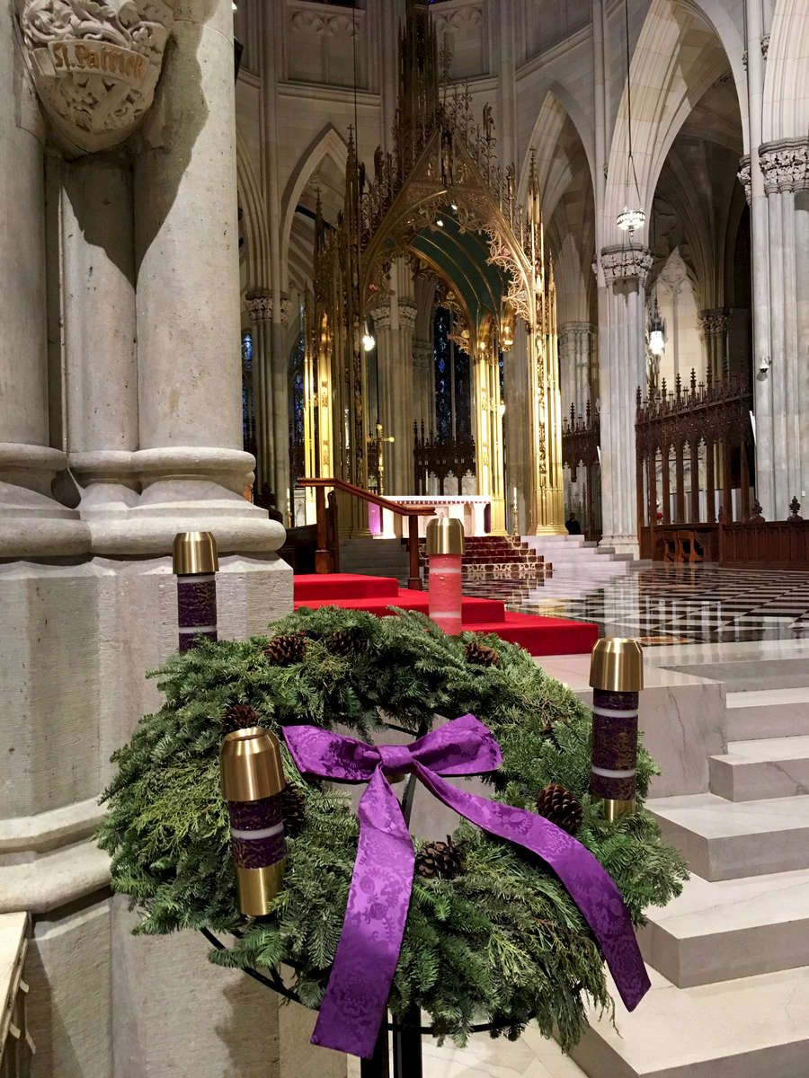Christmas wreath, St. Patrick's Cathedral, NYC. Jon Chase photo