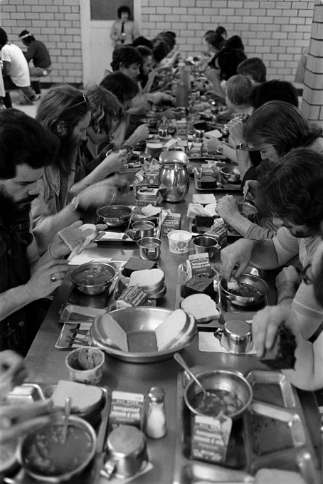 1976_lunch_table_2