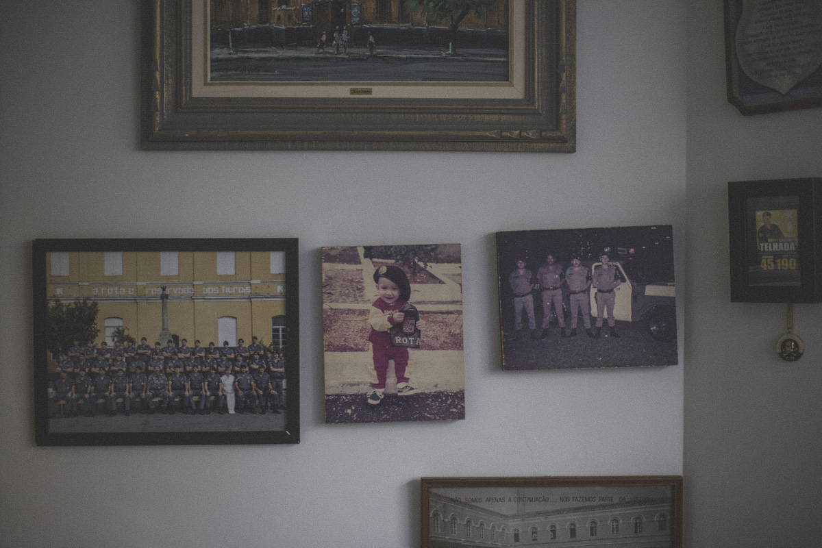 Colonel Paulo Telahda's son as a child on the wall of his office at the Legislative Assembly in São Paulo.