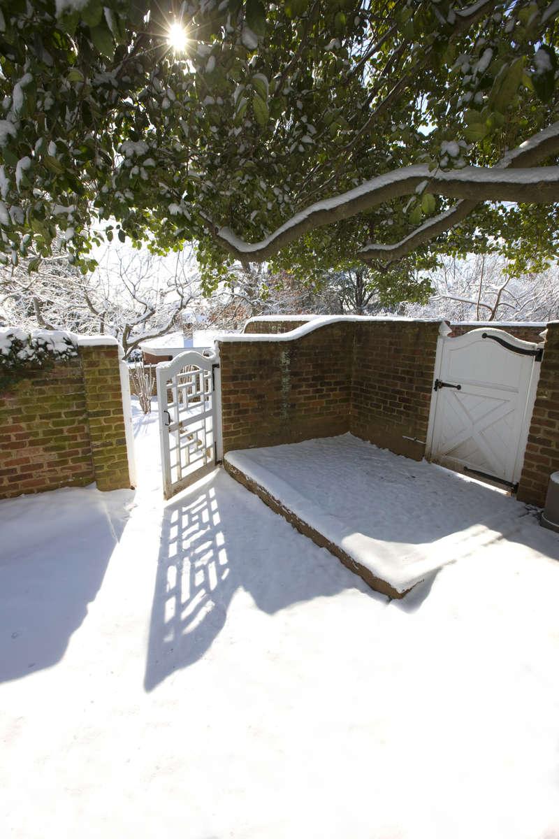 Snow_March-09_17aHR_DA