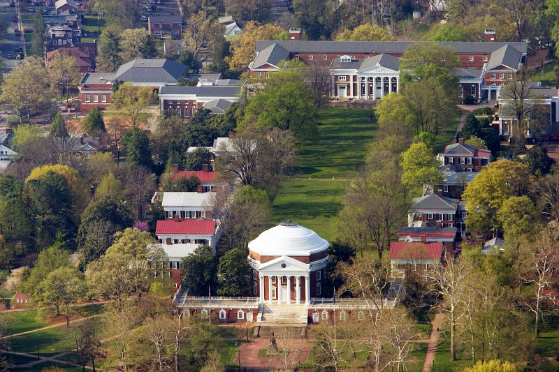 uva-Rotunda-Lawn-01-HiRes-D