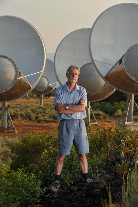 Scientist Rick Forster who is searching for alien life using over 300 radio telescopes.