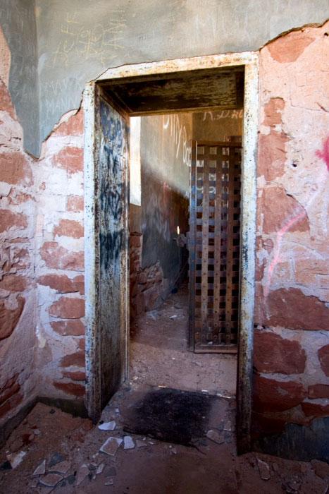 Jail8-01