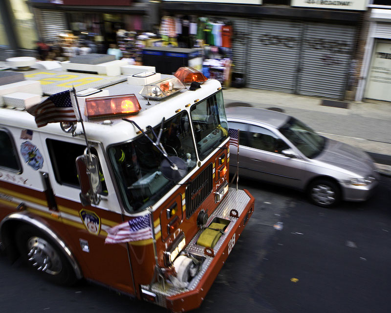 New York CityEngine 28 follows shortly behind Ladder 3 on its way to battle the blaze.