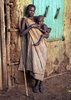 Mother-w-Enfant-on-Kibish-Street-9W2A0014