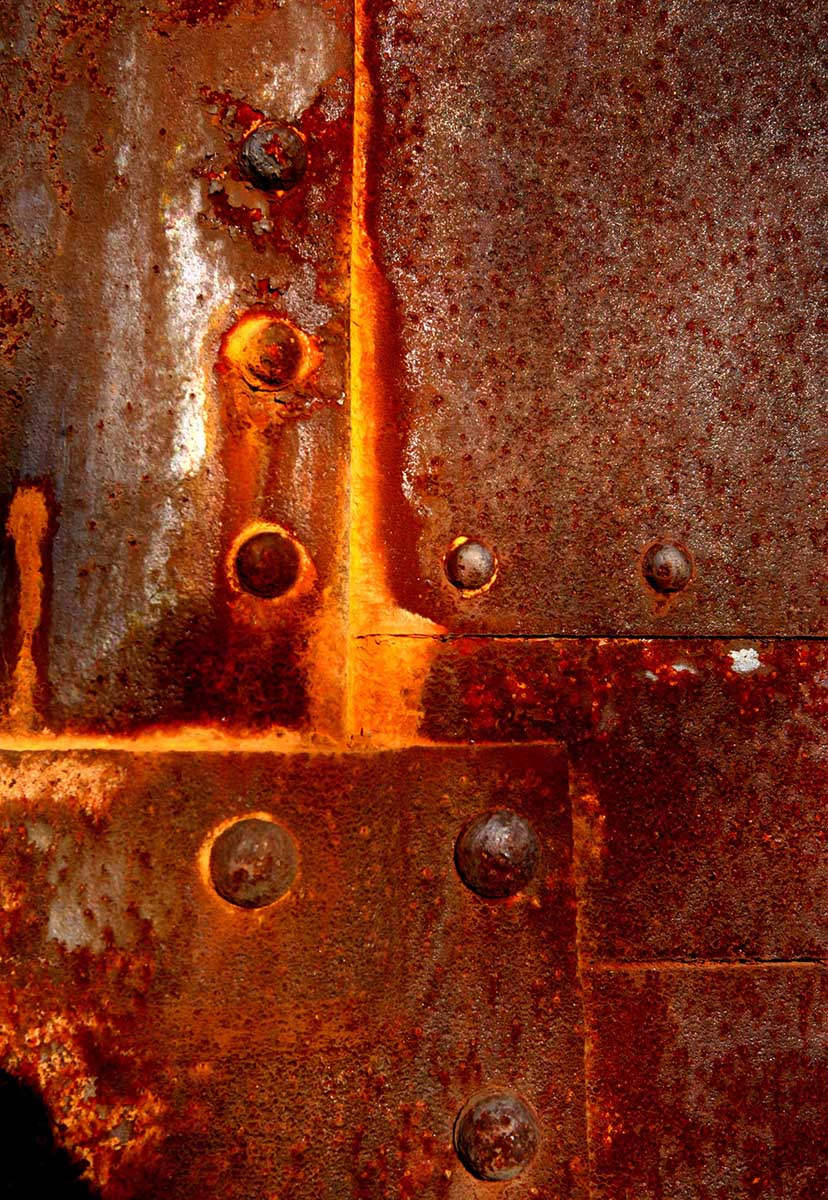 Rusted-Steel-on-Train-No-1-20100413_7003