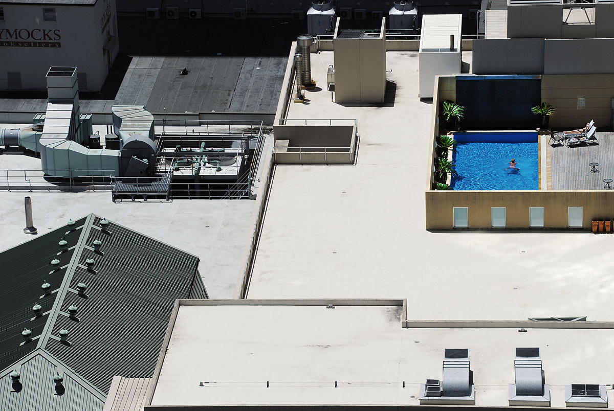 Rooftop Oasis - Sydney© Brian Cassey 2010