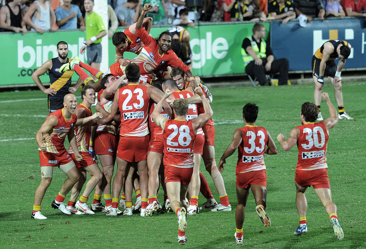 Last Kick win for the Gold Coast Suns V RichmondCairns  © Brian Cassey