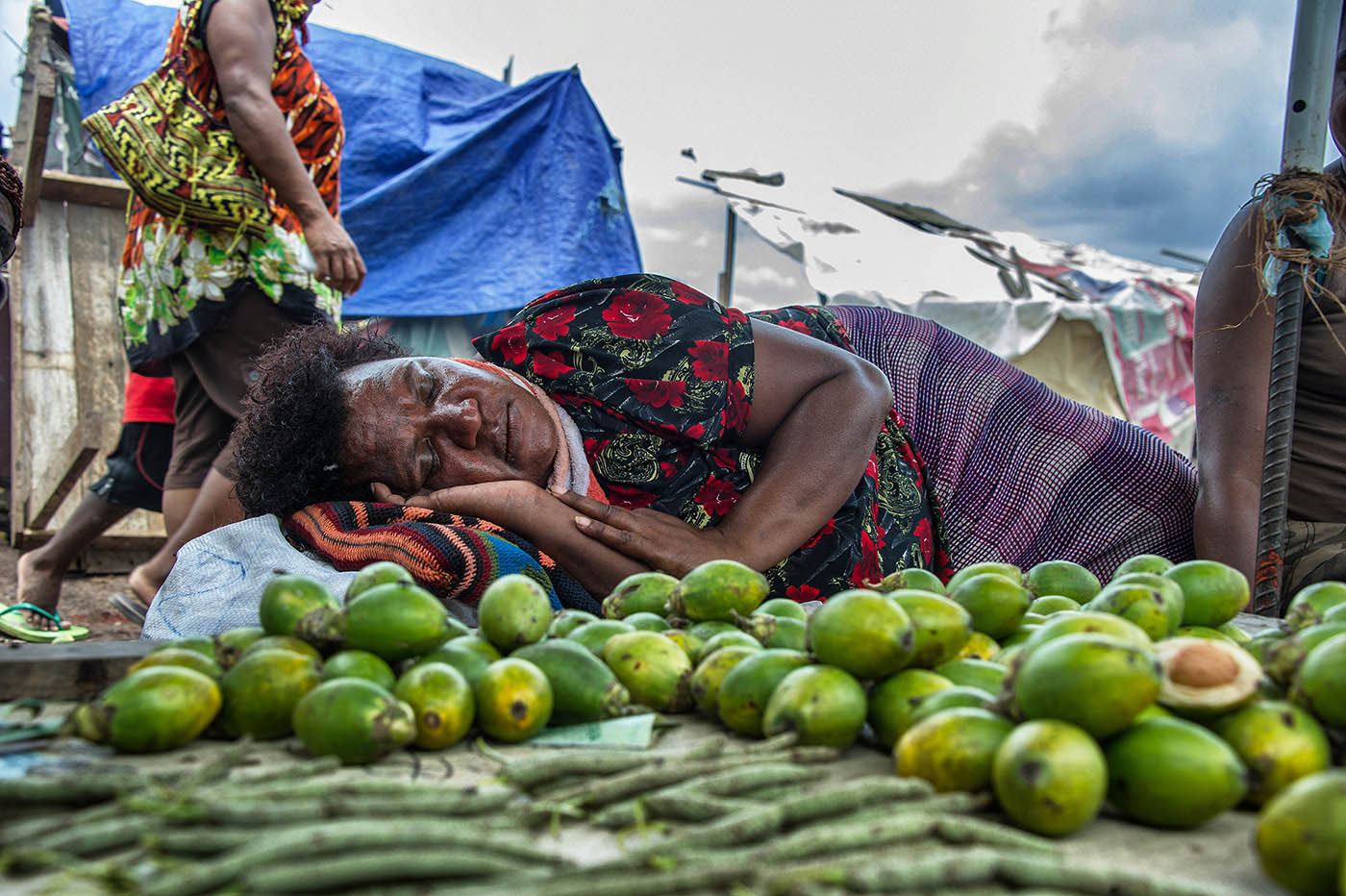 Sales appear a little slow at Hohola market, Port Moresby.  © Brian Cassey