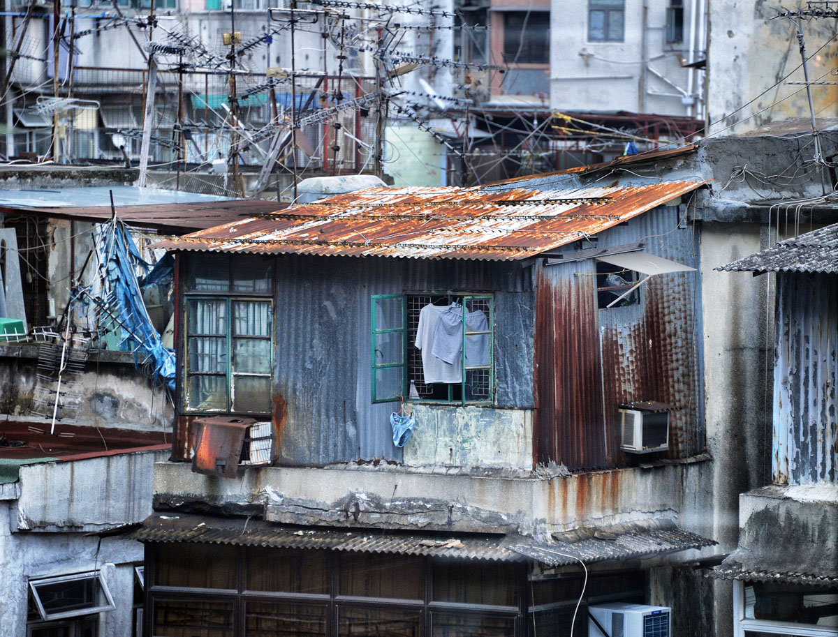 {quote}Rooftop Shanty{quote} - at Sham Sui Po  © Brian Cassey
