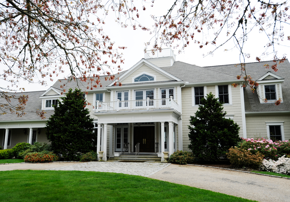 OSTERVILLE -- 051711 -- Carolyn and Andrew Lane's home on South Bay Road.  Cape Cod Times/Christine Hochkeppel 051711ch01