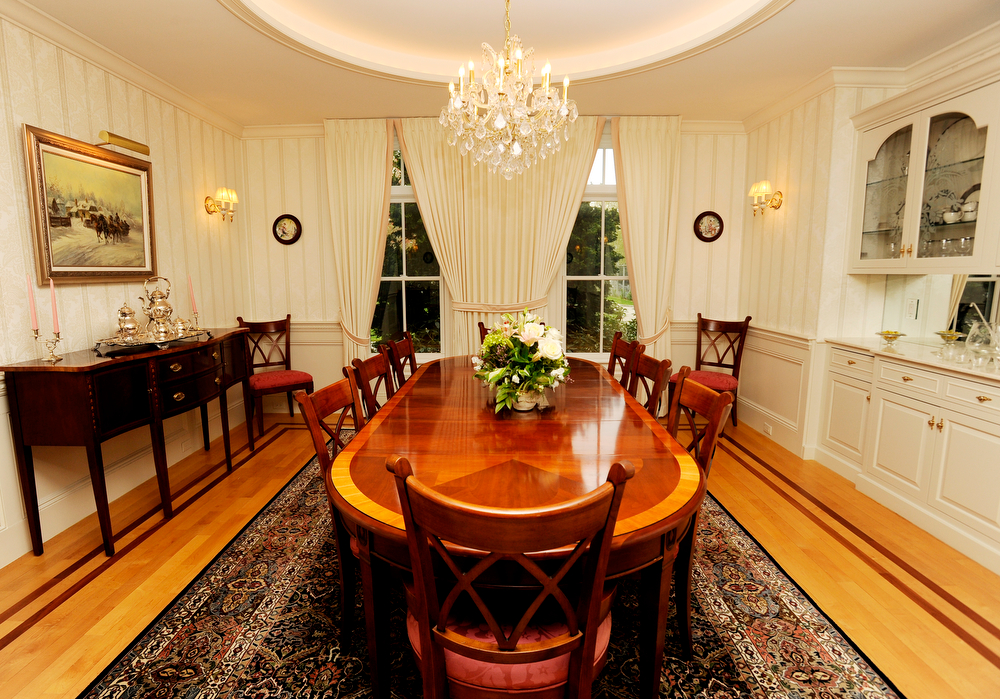 OSTERVILLE -- 051711 -- The dining room in Carolyn and Andrew Lane's home on South Bay Road.  Cape Cod Times/Christine Hochkeppel 051711ch11